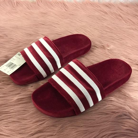 0d89019bf249e5 adidas Originals Adilette Velvet Slide